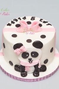 tort urodzinowy – urodziny dziecka – minsk mazowiecki – figurka panda – wstazka i kokardka – tort dla dziewczynki