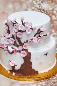 tort ślubny – tort piętrowy – ozdobiony – figurka drzewa
