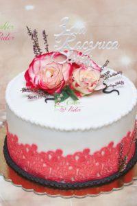 tort na rocznicę – mińsk mazowiecki- lawenda – masa cukrowa – biało czerwony – topper – 3 rocznica slubu – jadalna koronka