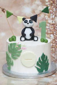 tort na urodziny – urodziny dziecka – minsk mazowiecki – figurka 3d – figurka panda – liscie eukaliptusa – bialo zielony – bez szwajcarska – tort dla dziewczynki – tort dla chlopca