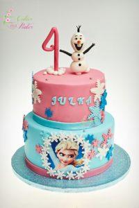 tort na urodziny – urodziny dziecka – minsk mazowiecki – tort piętrowy – figurka 3d – recznie wykonane figurki – figurka Olaf – Elza – kraina lodu – ozdobne płatki śniegu – tort dla chlopca