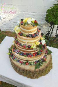 tort na ślub – tort piętrowy – tort rustykalny – mińsk mazowiecki – naked cake – swieze owoce – kwiaty
